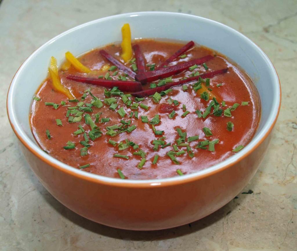 Kartoffelsuppe mit Rote-Bete und feiner Thymian-Note vegan kochen