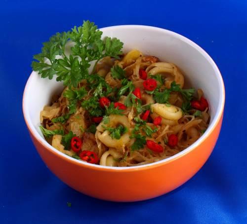 Kartoffeln mit Nudeln und Sauerkarut kann man einfach vegan kochen